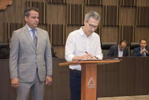 Zema sanciona lei que permite prefeitos pegarem empréstimos com bancos